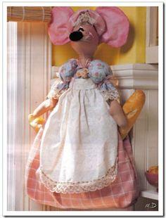 Ratoncita bolsa para el pan. Sewing Clothes, Doll Clothes, Felt Crafts, Diy Crafts, Fabric Animals, Baby Groot, Soft Sculpture, Diy Doll, Softies