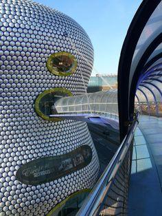 Selfridges @ the Bull Ring, Birmingham, ciudad y un municipio metropolitano perteneciente al Reino Unido, en la región inglesa de West Midlands. [Future Architecture: http://futuristicnews.com/category/future-architecture/]