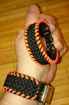 Paracord Typ 1 stitched Baby Conquistador Armband in Black-Orange