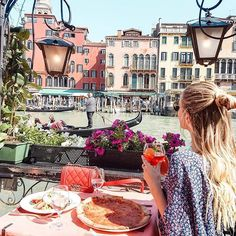 Venice...we found a cute place for pizza and aperol with a Rialto bridge view. ❤️ #Venice #Venezia #Italy