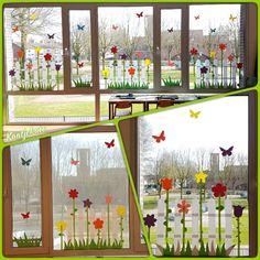 Raamdecoratie school lente 2018 - New Deko Sites School Window Decorations, Flower Decorations, Preschool Crafts, Easter Crafts, Crafts For Kids, Spring Theme, Window Art, Spring Crafts, Classroom Decor
