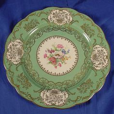 """Vintage Royal Bayreuth 11"""" Dinner Plate with a beautiful floral design 