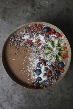 Almond & Cacao Wake Me Up! Smoothie Bowl, Smoothies, Natural Born Feeder, Come Dine With Me, Smoothie Ingredients, Cacao Nibs, Almond, Tasty, Healthy Recipes