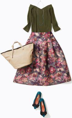 ボリュームスカートと合わせて写真映えコーデ! 人気スタイリスト土居悦子さんがルミネ北千住のショップアイテムを使って、秋らしいオリーブ色を使ったコーデに挑戦!