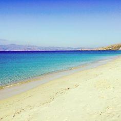 According to #TripAdvisor travellers, Agios Prokopios #beach in #Naxos is on the 10 best #beaches in #Greece! Enjoy it! Photo credits: @davidesanti1977
