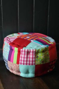 patchwork poof - easy to make