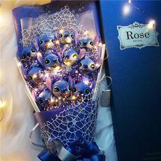 Details about Lilo Stitch Bouquet Plush Toy Gift Valentine Birthday Christmas Rose Flower Doll- show original title - Valentine's Day ideas 💘 Lilo Stitch, Stitch Disney, Lelo And Stitch, Cute Stitch, Valentines Day Birthday, Valentines Flowers, Best Birthday Gifts, Valentine Day Cards, Valentine Gifts