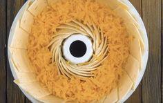 Meksikolainen tortillavuoka vie kielen mennessään. Meksikolainen ruoka ei todellakaan ole mikään perinteinen suomalaisten herkku. Tekniikan kehityttyä ja erityisesti internetin ansiosta, uusia ja eksoottisia reseptejä voi kokeilla heti. Tavalliset tortillat ja tacot vaativat jokaiselta herkuttelijalta hieman vaivaa, sillä Brownie Recipes, Meat Recipes, Mexican Food Recipes, Appetizer Recipes, Healthy Recipes, Stuffed Pepper Soup, Stuffed Peppers, Cheeseburger Salad Recipe, Lemon Brownies
