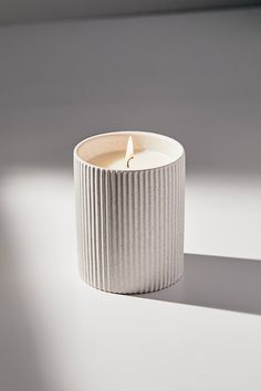 Decoration: I like the line design down the candle holder and it has a purpose. It is very simple, but it would look nice in a house. Modern Candles, Home Candles, Diy Candles, Scented Candles, Pillar Candles, Clay Candle Holders, Modern Candle Holders, Candle Branding, Home Scents