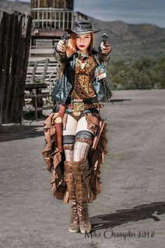 Steampunk Fashion Is a term that you probably already met in recent years through your Internet travel. But what is the steampunk style? Moda Steampunk, Style Steampunk, Steampunk Couture, Victorian Steampunk, Cosplay Steampunk, Steampunk Outfits, Steampunk Clothing, Steampunk Makeup, Steampunk Hair