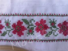 Cross Stitch Rose, Cross Stitch Borders, Cross Stitch Designs, Palestinian Embroidery, Pixel Art, Bff, Diy And Crafts, Projects To Try, Pattern
