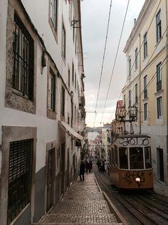 Ascensor da Bica, Lisbon | Portugal (by Nacho Coca)