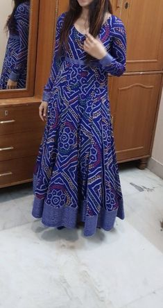 Fashion Ideas Night Out Women fashion brand - Indian fashion Salwar Designs, Kurta Designs Women, Kurti Designs Party Wear, Kurti Neck Designs, Dress Indian Style, Indian Dresses, Indian Outfits, Indian Saris, Indian Wear