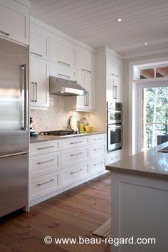 √ Stylish Kitchen Cabinet Ideas and DIY Design (Modern, Simple, Vintage, Rustic) 2019 Home Decor Kitchen, Country Kitchen, Diy Kitchen, Kitchen Dining, Shaker Kitchen, White Kitchen Cabinets, Cocinas Kitchen, Up House, Stylish Kitchen