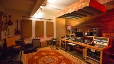 Check out this massive list of home studio setup ideas. Filter down by room colors, number of monitors, and more to find your perfect studio. Home Studio Musik, Audio Studio, Music Studio Room, Sound Studio, Home Recording Studio Setup, Home Studio Setup, Studio Interior, Home Recording Studios, Studio Ideas