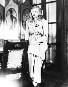 Veronica Lake in Sullivan's Travels (1941)  I should re-pin this one in 'Wild Talent', and a few others.  Wow.