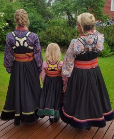 Beltestakker fra Telemark Norwegian Clothing, Tribal Dress, Wedding Costumes, Girls Rules, Folk Costume, Festival Wear, Traditional Dresses, Dance Wear, Vestidos