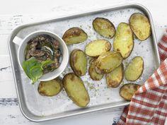 Gebackene Kartoffeln - mit Auberginen-Dip - smarter - Kalorien: 241 Kcal - Zeit: 30 Min. | eatsmarter.de