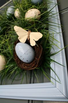 Diy Easter Egg Wreath, Easter Wreath with grass, Easter Decorating Ideas #2014 #Easter #Day #table #decor #craft #ideas www.loveitsomuch.com