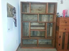 how to make a pallet bookshelf - Google Search