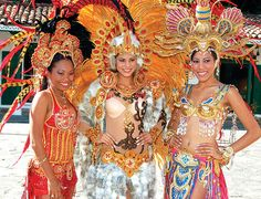 Panama Music Culture | The queen, Kathia Real (center) and her princesses, Irelys de León ...