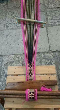 Card Weaving, Tablet Weaving, Weaving Art, Tapestry Weaving, Loom Weaving, Inkle Weaving Patterns, Inkle Loom, Weaving Techniques, Textile Artists