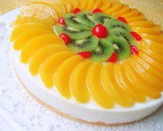 Gyümölcstorta Kiwi, Fresh Fruit Cake, Gelatin Recipes, Cantaloupe, Panna Cotta, Cake Decorating, Food And Drink, Yummy Food, Cooking