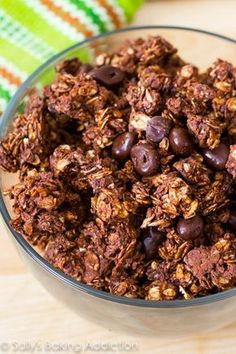 When your chocolate craving hits, satisf… Super crunchy triple chocolate granola. When your chocolate craving hits, satisfy it with this wholesome breakfast or snack! Chocolate Crunch, Chocolate Granola, Chocolate Recipes, Chocolate Covered, Mocha Chocolate, Chocolate Cherry, Breakfast Recipes, Snack Recipes, Dessert Recipes