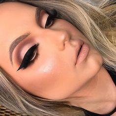 glam makeup – Hair and beauty tips, tricks and tutorials Matte Makeup, Red Makeup, Glam Makeup, Makeup Inspo, Bridal Makeup, Makeup Art, Wedding Makeup, Makeup Inspiration, Makeup Tips