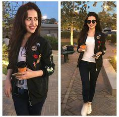Sana Jawaid Pakistani Wedding Outfits, Pakistani Girl, Pakistani Dress Design, Pakistani Actress, Casual Chic Outfits, Business Casual Outfits, Stylish Dress Designs, Stylish Dresses, Western Dresses For Girl
