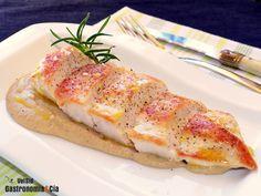 Pechuga de pollo con salsa de chirivía y romero