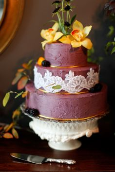 Wedding Cake with lace detail - Dallas Curow Photography