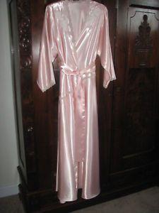 Vintage embroidered applique natori liquid satin nightgown   robe never  worn pet 746ec3c57