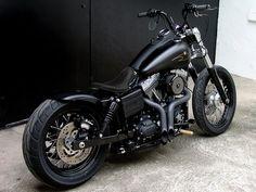 Street bob black