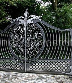 Кованые ворота ручной работы - «Alexandr & Sylvester». #ковка #кузня #художественнаяковка #кованыеворота #ковка #кованые #дизайн #alexandrsylvester #студияковки #воротакованые #ironart