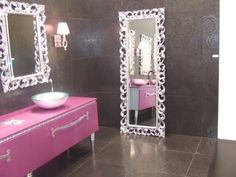 love this pink console