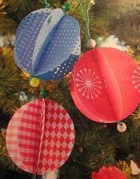 kerstbal van  papier