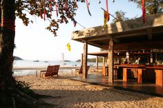 Booking.com: Koh Mak Resort - Ko Mak, Thaïlande Kos, Pergola, Outdoor Structures, Cabin, House Styles, Cambodia, Outdoor Pergola, Cottage, Arbors