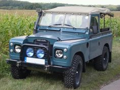 Land Rover 88 Serie III soft top canvas snorkel and defense. Land Rover Serie 1, Land Rover 88, Land Rover Defender 110, Landrover Defender, Adventure Car, Best 4x4, Tata Motors, Cars Land, Off Road