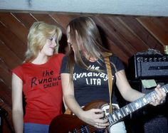 Cherie & Lita - The Runaways