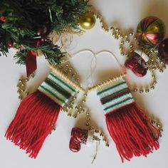 These mini woven wall hangings are the perfecf addition to any tree this festive season. Available to buy from my etsy shop. #weaving #woven #wovenwallhanging #wallhaning #christmas #ornaments #christmasornaments #etsy #loom #ontheloom #weaving #handmade #art #crafts