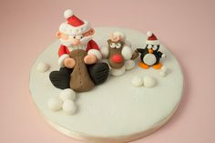 Santa, Rudolph and Penguin Class. Saturday 20th October 2018. 2-4pm at the Quaker Meeting Rooms , Hertford. Cost £30 per person which includes all materials and equipment. Full details and booking can be found on my website www.caroldeaconcakes.com