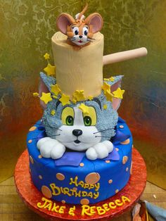 Tom and Jerry Cake ~ If Ty ever wants one I wish we had done this for Sawyer He loved Tom & Jerry I may have to throw him a Tom & Jerry Party although he doesnt want BDay Parties anymore : ( Bolo Tom E Jerry, Tom And Jerry Cake, Tom Y Jerry, Cute Cakes, Fancy Cakes, Amazing Cakes, Beautiful Cakes, Character Cakes, Crazy Cakes