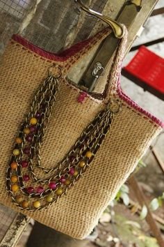 Sewing purses and bags quilts 34 ideas for 2019 Crochet Handbags, Crochet Purses, Crochet Bags, Hand Crochet, Handmade Handbags, Handmade Bags, Diy Sac, Crochet Shell Stitch, Diy Handbag