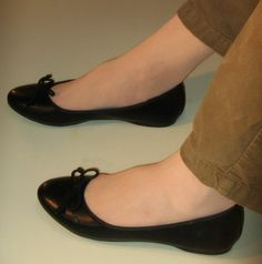 Black Leather Flats, Black Flats, Ballerinas, Lady Diana Spencer, Cute Bows, Classic Leather, Ballet Flats, Kitten Heels, Footwear
