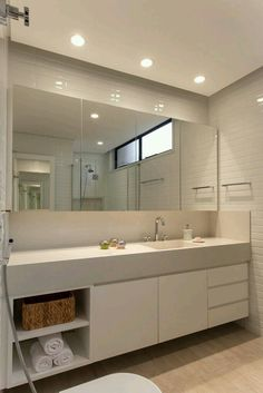 Dreaming of an extra or designer master bathroom? We have gathered together lots of gorgeous master bathroom some ideas for small or large budgets, including baths, showers, sinks and basins, plus master bathroom decor suggestions. House, Bathroom Interior Design, Home, Shower Cubicles, Bathroom Makeover, White Decor, Modern Bathroom, Mirror Decor, Bathroom Decor