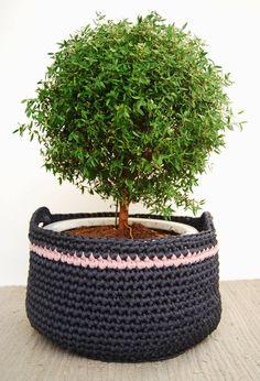 Crochet Basket T-shirt Yarn in Charcoal Grey! Trapillo, Trapilho, Tek-tek Yarn!
