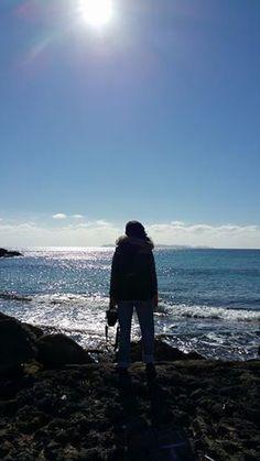Wir stehen für uns, wir gehen allein, machen unsere Erfahrungen, lernen und erkennen, und manchmal haben wir das unsagbar grosse Glück, einem Menschen zu begegnen, der sich auf so wunderbare Weise in unsere Zeit einpasst, mit seinen Wünschen und Gedanken, dass unser Leben nicht nur auf eine Art und Weise perfekt ist, sondern durch ihn unendlich reich an Licht und Liebe wird.   samaki mallorca www.samaki-mallorca.com  #reiki #reikimallorca