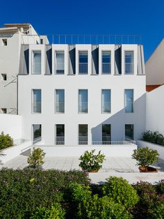 Prazeres Building / Aurora Arquitectos / Lisbon, Portugal