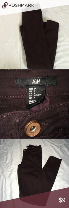 Maroon H&M pants Maroon H&M skinny pants, size 4 . Fit super nice! Maroon, dark wine colored . H&M Jeans Skinny